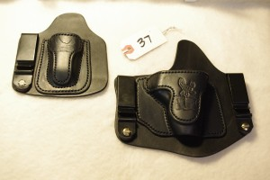 Invisi-Tuck and mag for Colt Mustang XPS